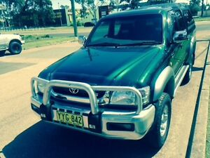 2003 Toyota Hilux SR5 4x4 dual cab Ute Sandgate Newcastle Area Preview