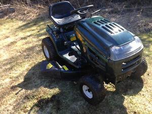 Tracteur Mtd 12 Hp 38 tres propre