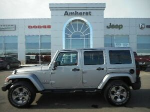 2016 Jeep Wrangler Unlimited SAHARA 4X4 HARD TOP LIKE-NEW