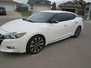 2016 Nissan Maxima LIKE NEW !