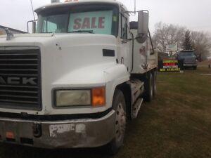 Only $26900 2001 Mack CH6013 15'FT Gravel Truck