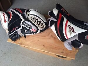 BAUER goalie gloves
