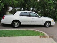 2001 LINCOLN TOWN CAR $4,250 OBO