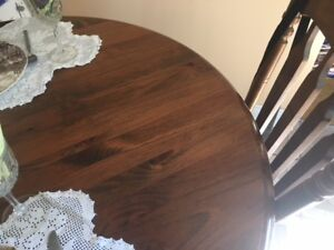Only $40 Solid Round Oak Wood Table