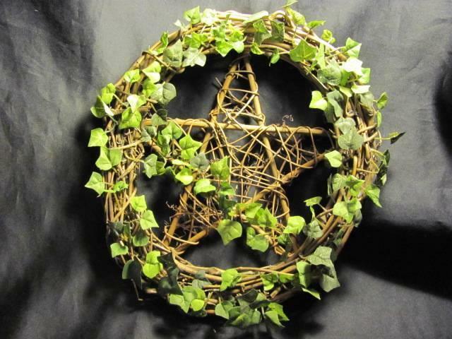 "Wonderful 18"" Wicca Pagan Grapevine Pentacle Wreath w/ Leaves"