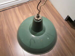 LAMPE  ANTIQUE INDUSTRIEL