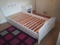 Beautiful heart single bed