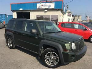 JEEP PATRIOT NORTH 2009 AC / AWD / MAGS / TOIT OUVRANT / PROPRE
