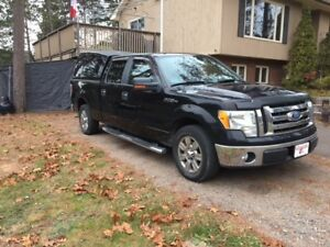 2009 Ford F-150 RWD SuperCrew with LOW KM