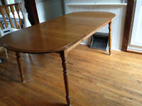 solid maple wood dining table - extandable