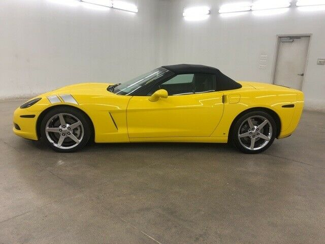 2008 Yellow Chevrolet Corvette     C6 Corvette Photo 5