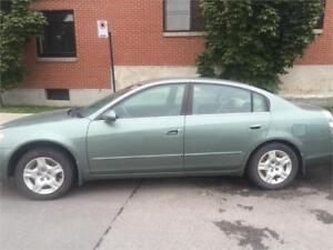 Nissan Altima 2005 $1250 carte de credit. Accepte 514-793-0833
