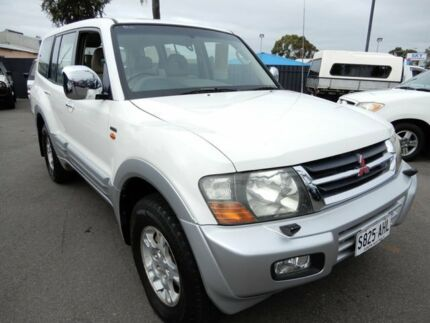 2000 Mitsubishi Pajero NM Exceed White & Silver 5 Speed Sports Automatic Wagon Enfield Port Adelaide Area Preview