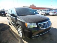 2014 Chrysler Town & Country Touring power seat, power sliding d