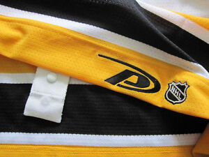 **BRAND NEW WITH TAGS** AUTHENTIC PRO BOSTON BRUINS JERSEY Cornwall Ontario image 4