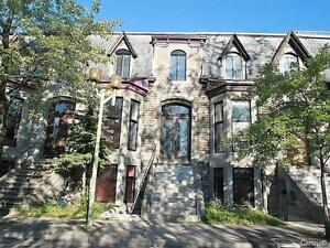 Furnished townhouse in Downtown - Maison meublée au Centre-Ville