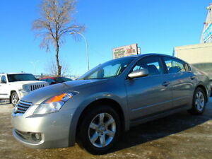 2009 Nissan ALTIMA S  SPORT PKG--HEATED SEATS--EXCELLENT SHAPE