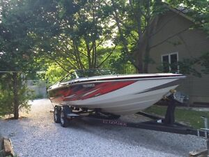 Beautiful Well Maintained powerboat, Fast and Fun!
