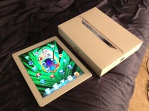 IPAD 3 - 64GB. WOW 64GB WITH CHARGER FULL PACKAGE IN BOX.