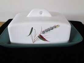 VINTAGE BOURNE DENBY GREENWHEAT PATTERN EARLY CHEESE / BUTTER DISH AND LID-COLLECT OSSETT, WAKEFIELD