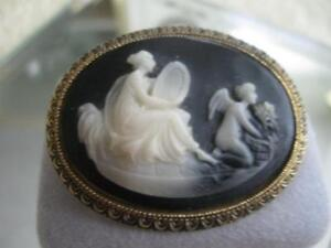 RARE OLD EXQUISITE VINTAGE CARVED CAMEO BAKELITE BROOCH