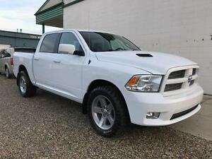2012 Ram 1500 Sport 4x4 ~ Full Load ~ DVD ~ Sunroof ~ $239 b/w