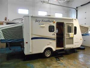 WOW!!! Jayco 17' Hybrid with 2 Queen bunks only 3006 lbs. UVW.