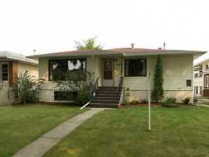 House with garage  for Rent near University of Alberta