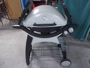 WEBER FAMILY-Q DOUBLE BURNER lpg with extra's Sydenham Marrickville Area Preview