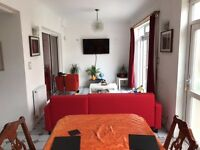 Very Large Double Room Available to Let in Mitcham/Streatham