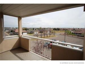2 Bedroom Condo with a View, Close to Shopping **OPEN HOUSE**