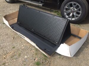 Brand New Tonneau Cover!!