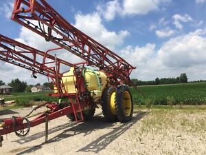 2005 Hardi Commander Plus 1200 Pull Type Sprayer London Ontario image 3