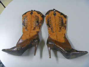 Ladies Boots Size 9 Or 9 1/2
