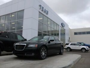 2013 Chrysler 300 S, 3.6L V6, Leather, Sunroof, Heated Seats, Re