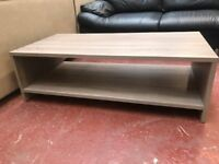 FOR SALE LOVELY COFFEE TABLE !