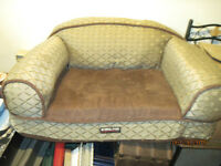 Dog sofa in great condition