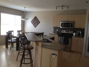 Furnished Upper Level Room In Timberlea House*