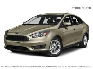 2015 Ford Focus SE W/ 5 Speed Manual, Leather, Sunroof