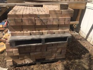 Approx 700 BRICKS Patio Paving Stone Block Make an offer