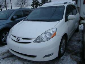 2010 TOYOTA SIENNA - XLE  NAVIGATION * DVD * BACK UP CAMERA