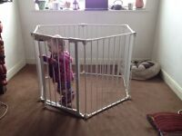 Lindam play pen and room divider