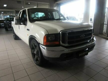 2006 Ford F250 RN XLT White 4 Speed Automatic