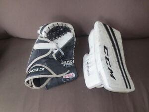 Mitaine et bloqueur gardien de but hockey sur glace, marque CCM