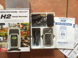 Zoom H2 Digital Recorder (Portable - records WAV & MP3 4 Mic - multi directional