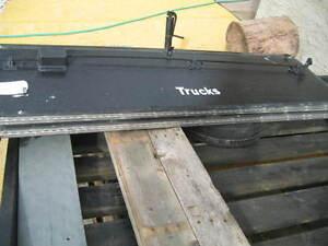 folding hard tonneau cover