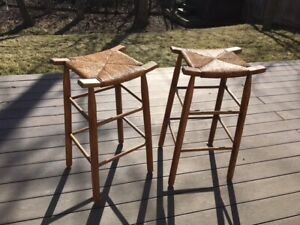 Bar stools - Excellent condition