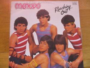 a2 vinyl LP MENUDO ( RICKY MARTIN ) REACHING OUT Australian edition - Italia - a2 vinyl LP MENUDO ( RICKY MARTIN ) REACHING OUT Australian edition - Italia