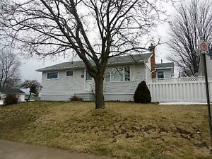 310 CHAMBERS AVENUE, SAULT STE. MARIE, ONTARIO P6A 4W3