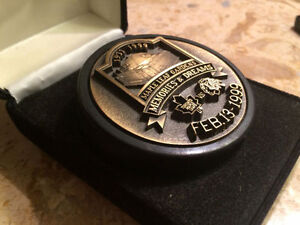 Collector's Commemorative Puck- Maple Leaf Gardens Final Game
